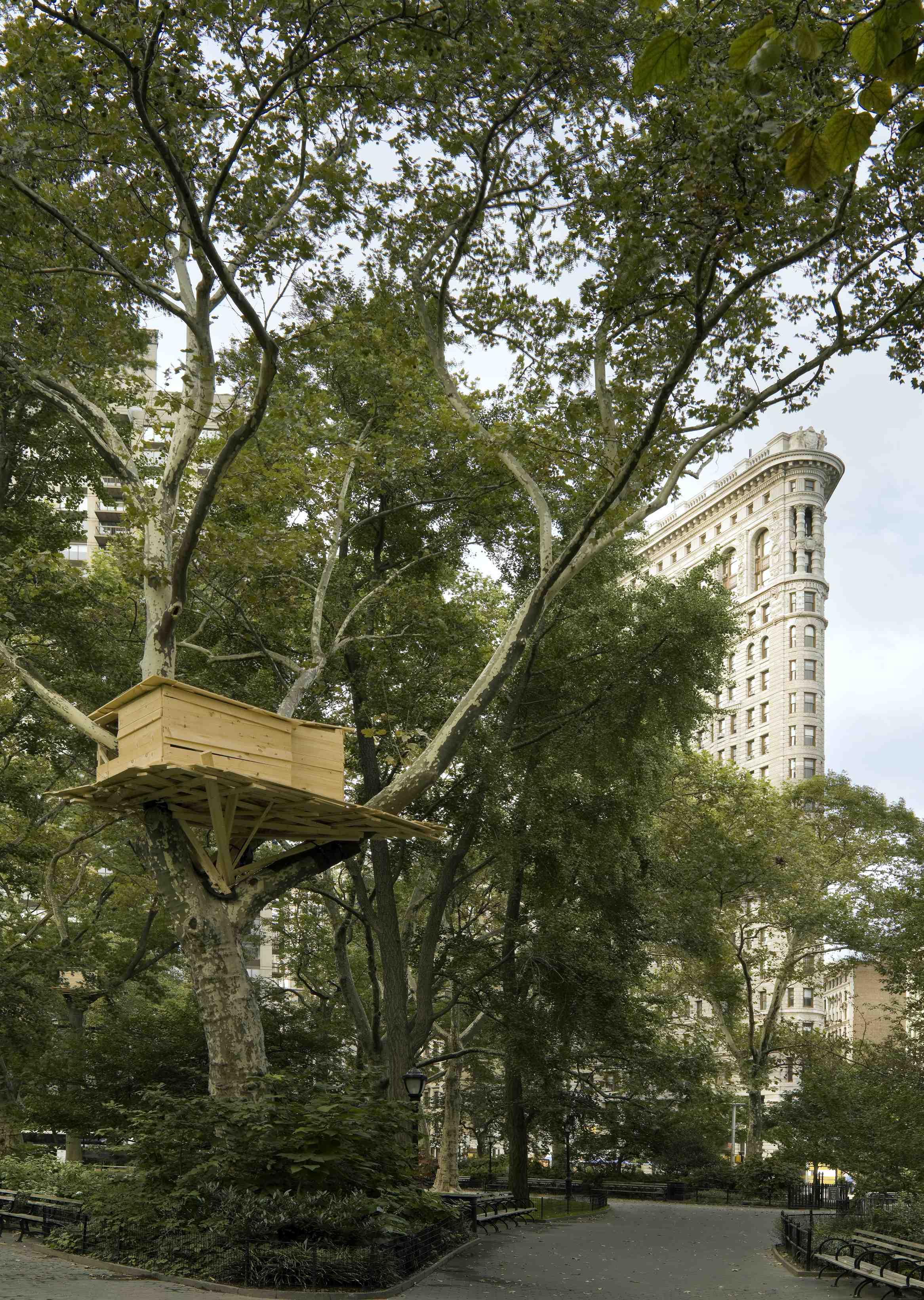 Tadashi Kawamatas 2008 Tree Huts Project in Paris and New York City
