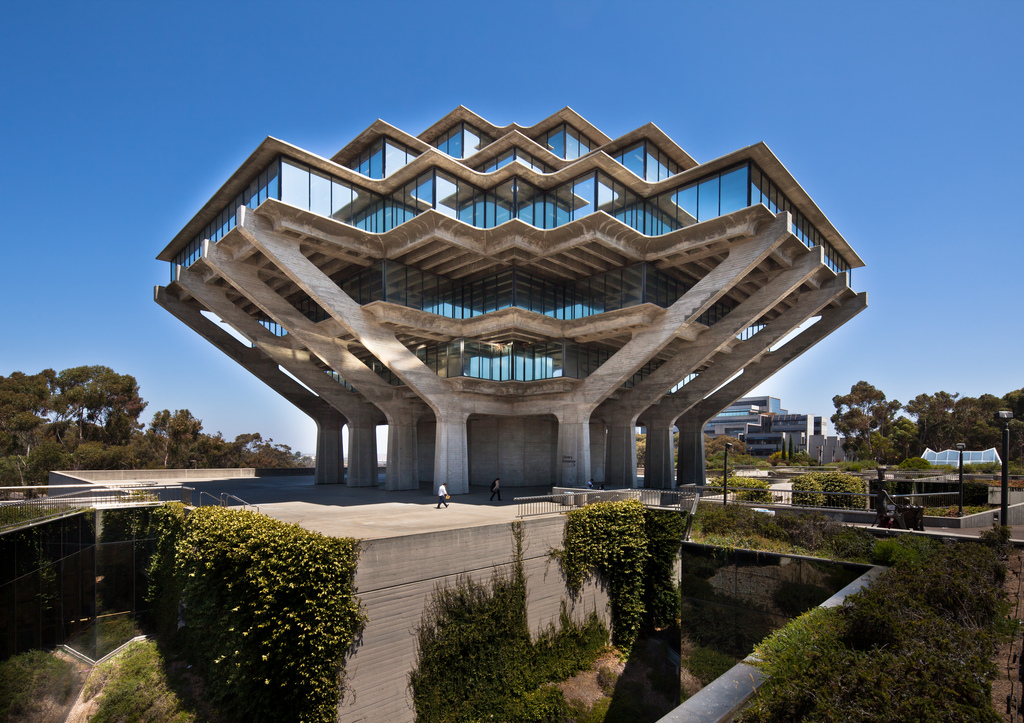 William Pereiras Geisel Library at UC San Diego